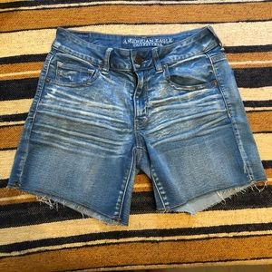 American Eagle distressed denim midi shorts size 8